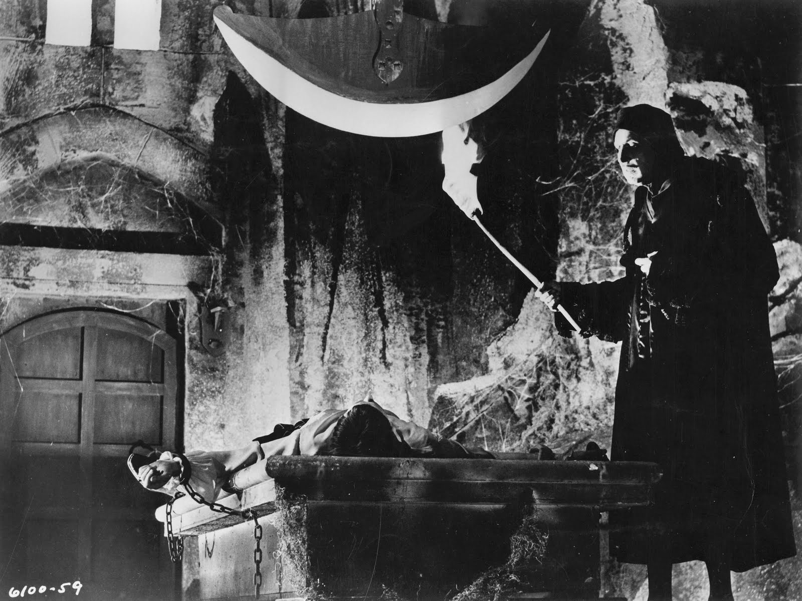 pit_and_pendulum_black-and-white