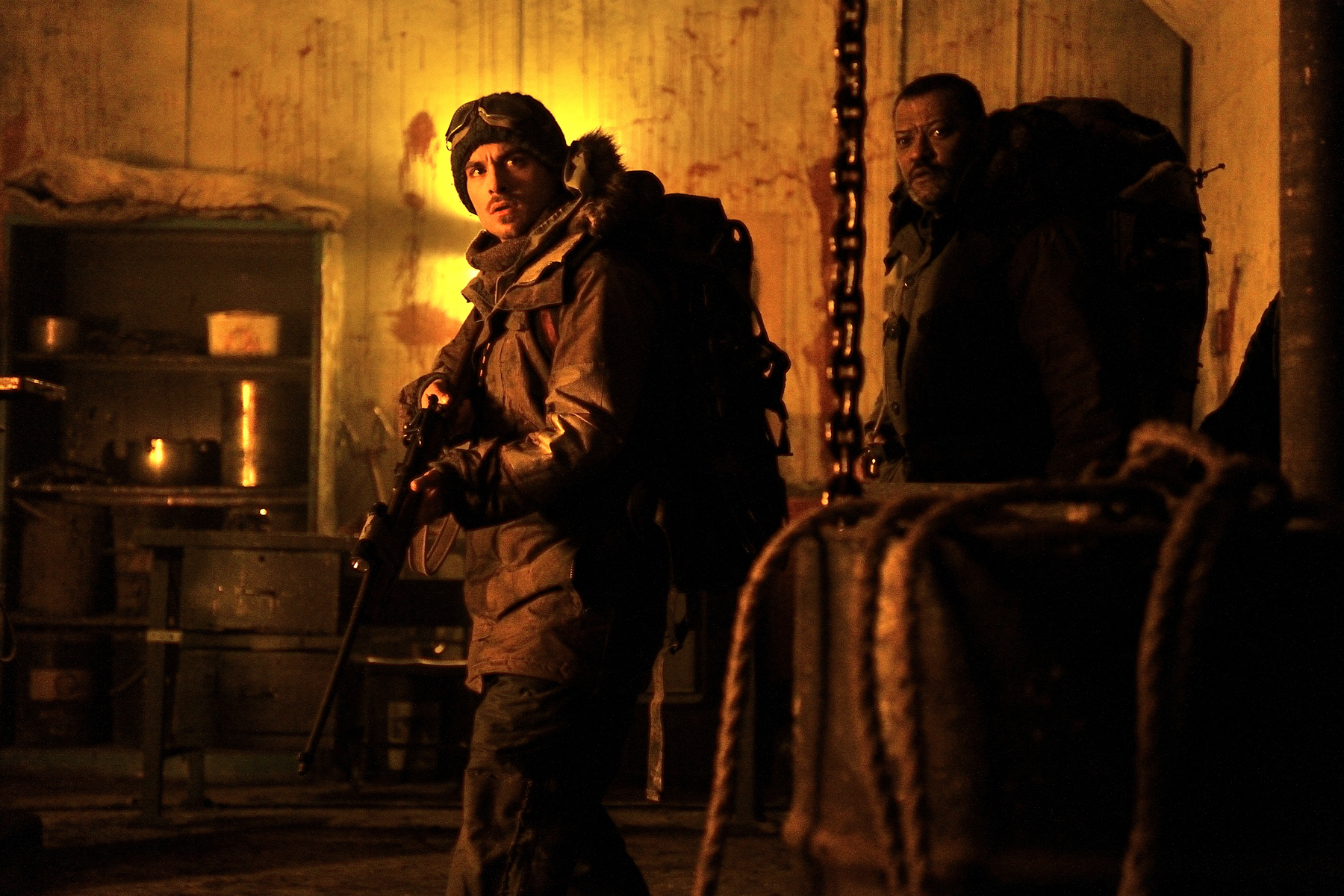 COLONY_Laurence-FIshburne_Kevin-Zegers_3