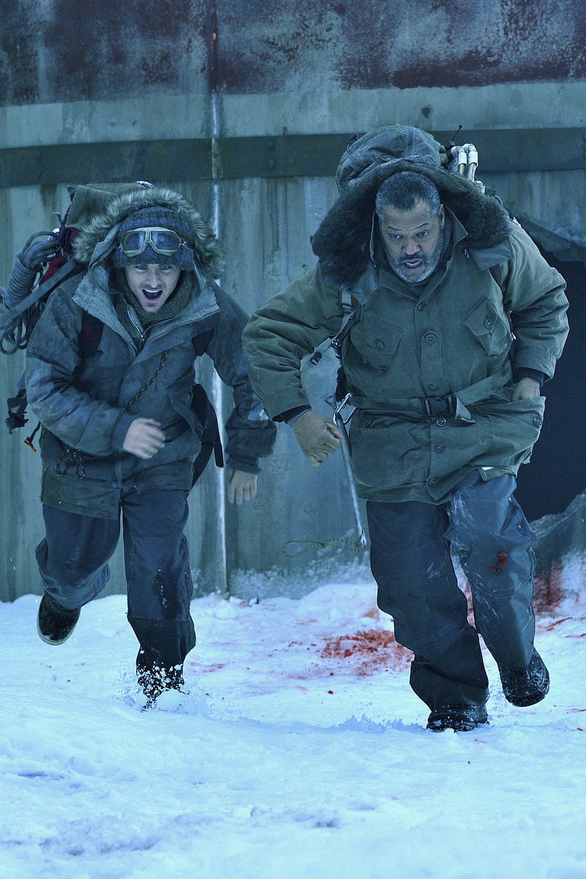 COLONY_Laurence-Fishburne_Kevin-Zegers_2