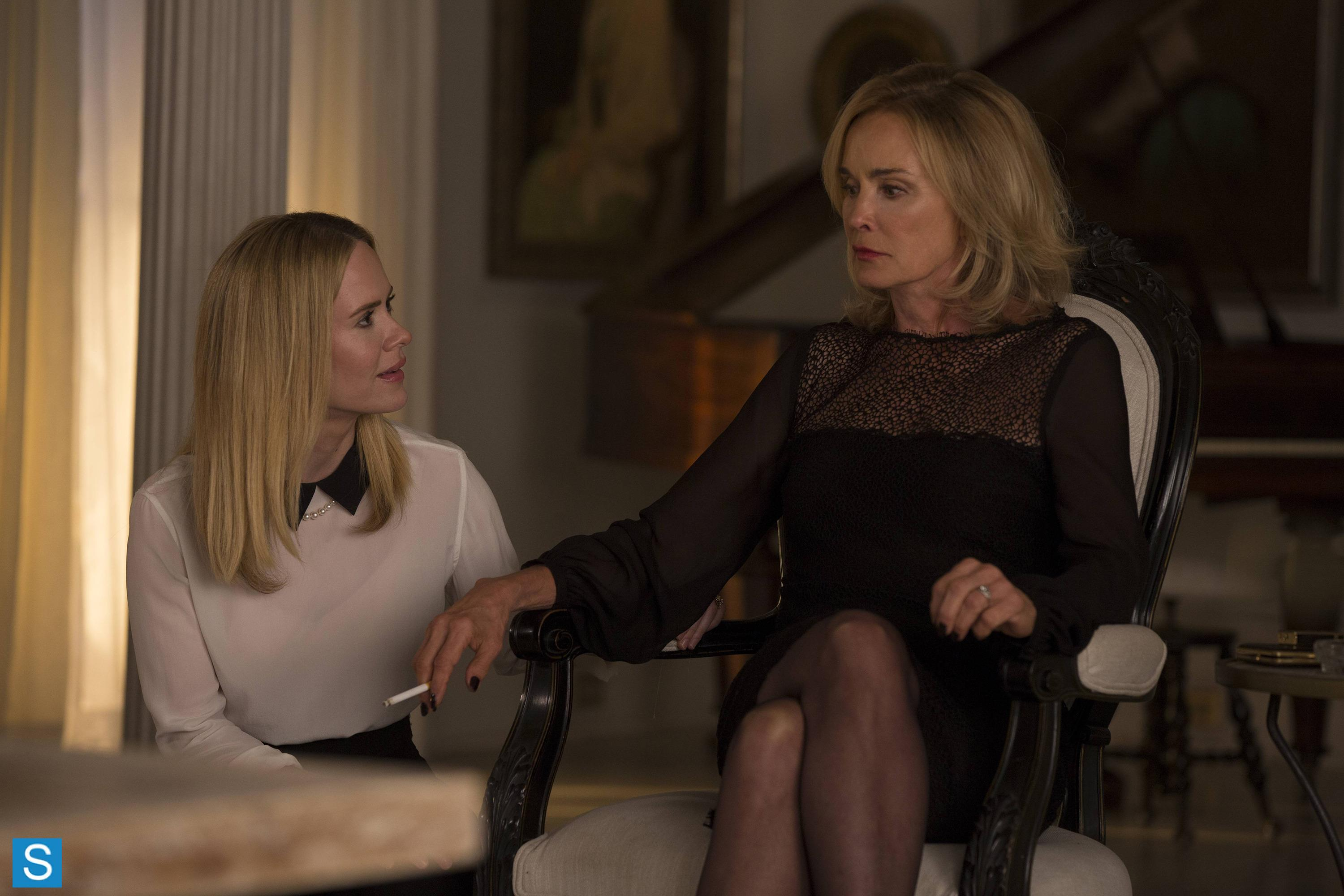 American Horror Story – Episode 3.04 – Fearful Pranks Ensue – Promotional Photos (11)_FULL