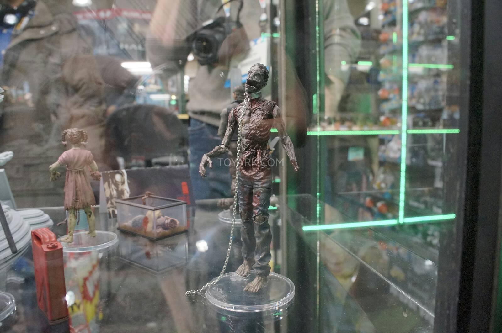 Toy-Fair-2014-McFarlane-Walking-Dead-016