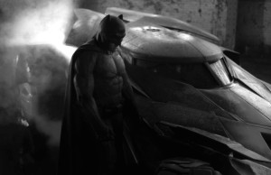 Ben_Affleck_Batsuit_Batmobile-620x400
