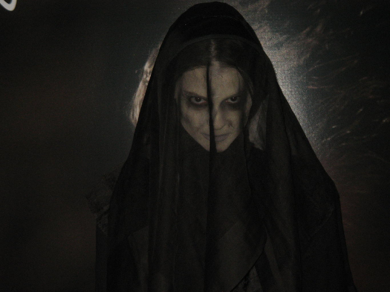 new 'the woman in black: angel of death' release info - bloody