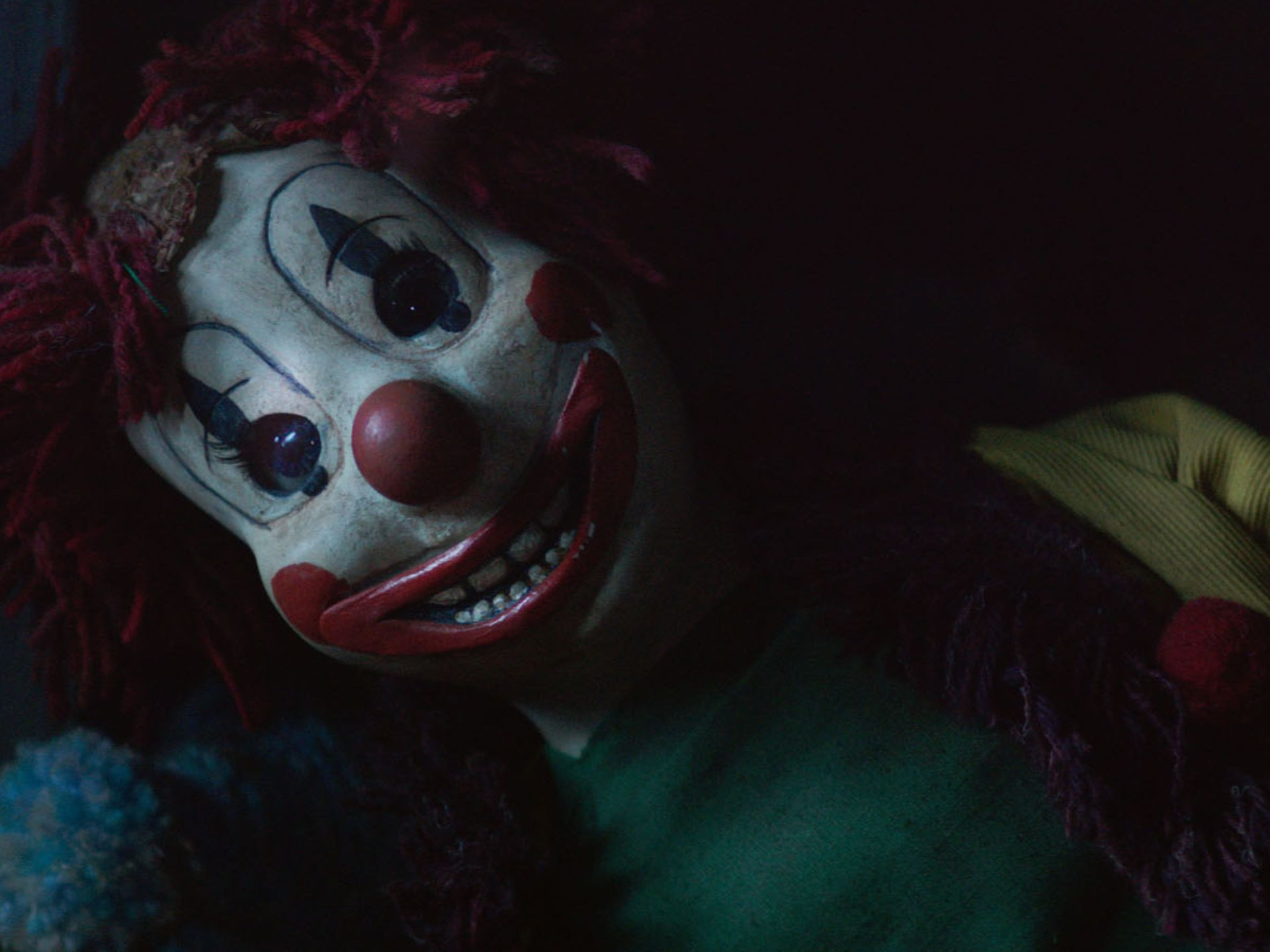 The 'Poltergeist' Clown Wants To Sing You A Song