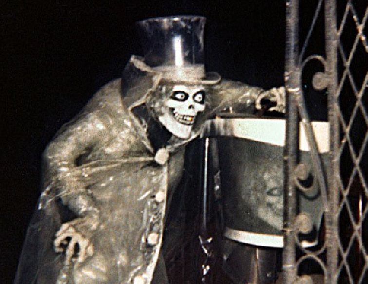 Disneyland Haunted Mansion Hatbox Ghost & Haunted Mansionu0027s Legendary Hatbox Ghost Returns to Disneyland ...
