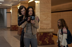 (l to r) Milla Jovovich, Michelle Rodriguez and Aryana Engineer star in Screen Gems' action horror RESIDENT EVIL: RETRIBUTION.