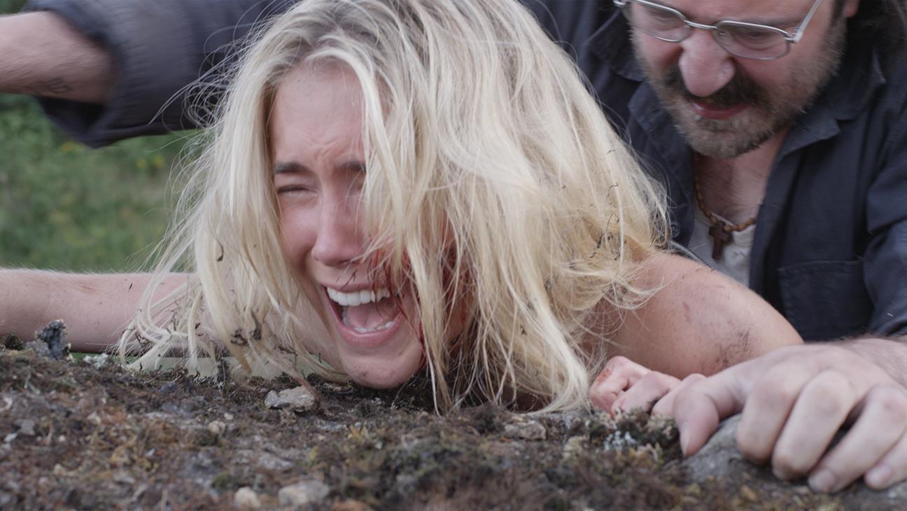 Landmine Goes Click Trailer Deutsch