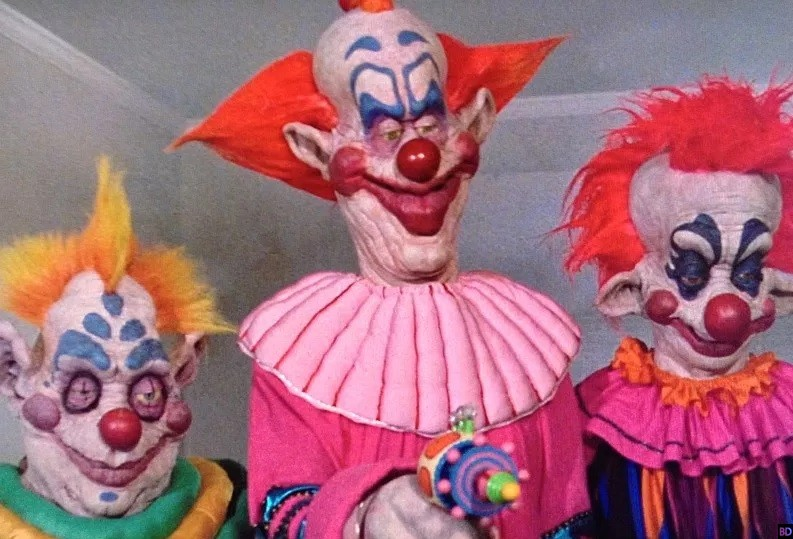 FYE Getting Exclusive Slipcase For Arrows Killer Klowns From Outer
