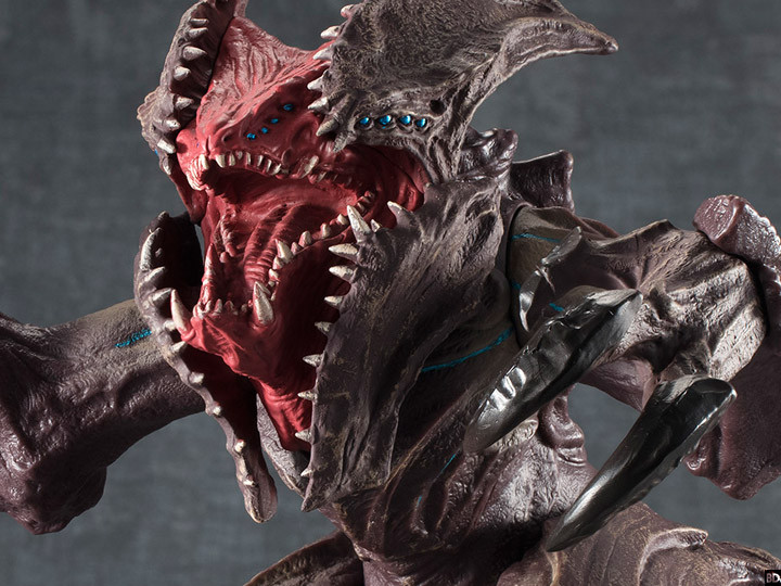 Collectible Provides First Look at Terrifying New 'Pacific ... Pacific Rim Kaiju Crab