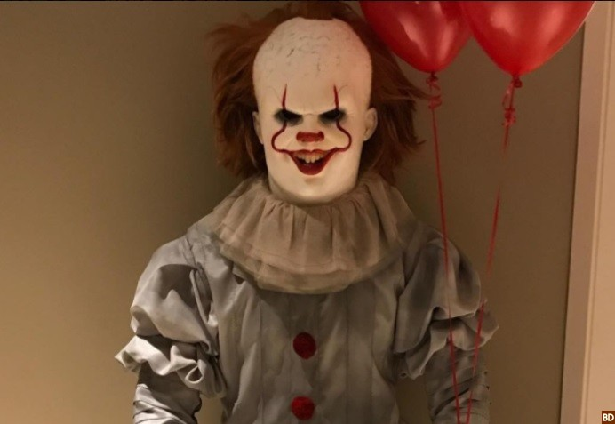 Lebron James Slayed Halloween With Screen Accurate Pennywise Costume
