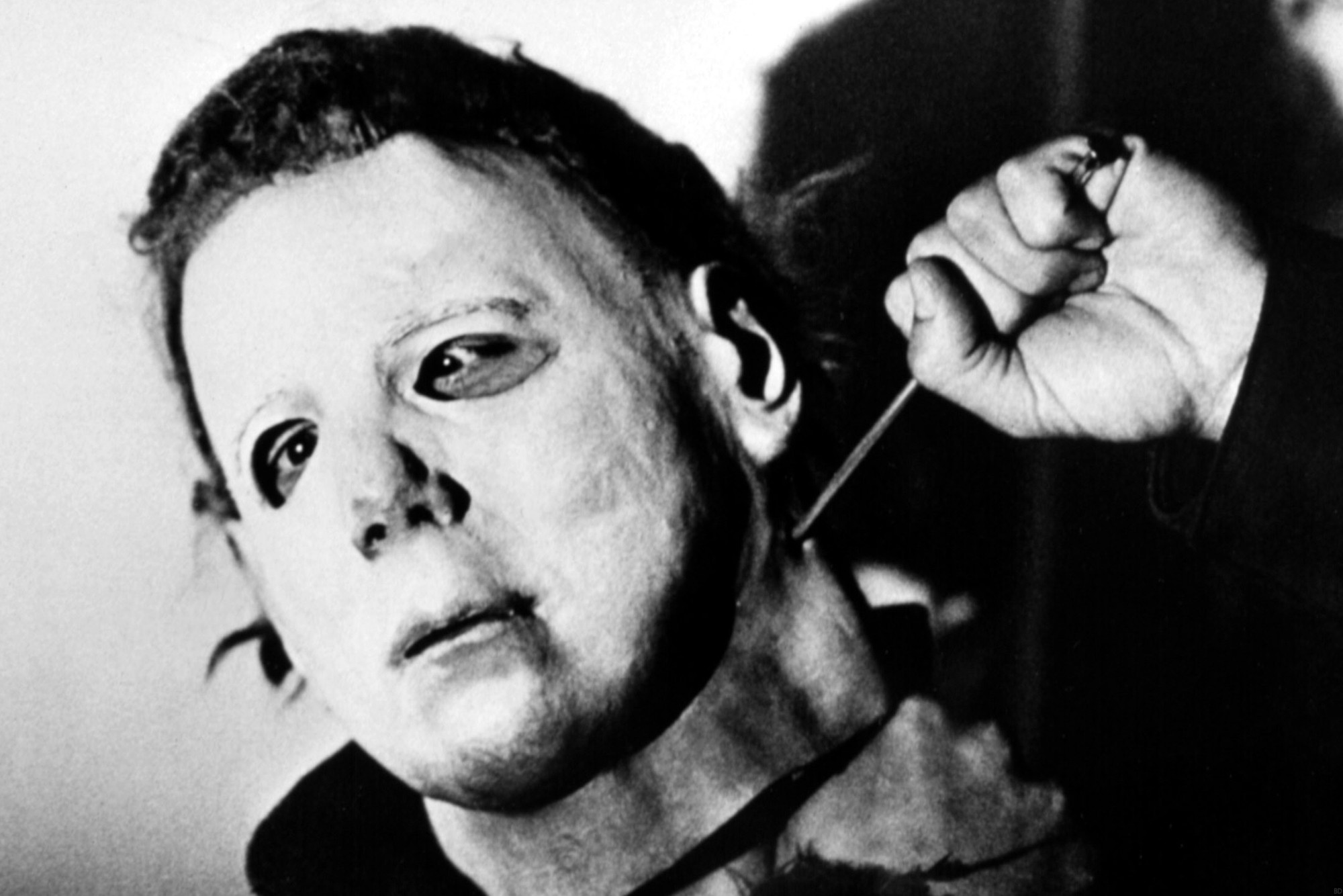 Here 39 s what the original michael myers mask looks like today bloody disgusting - Masque halloween film ...