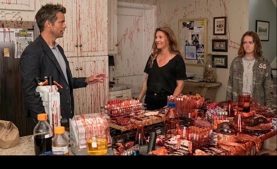 Review Netflix S Santa Clarita Diet Deliciously Slays Season 2