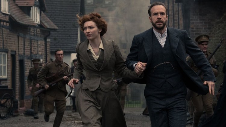 a look at ogilvy in the war of the worlds The bbc has started production on their epic big-budget tv adaptation of hg wells' classic 1898 novel war of the worlds and today we have our first look the photo features stars eleanor tomlinson and rafe spall, who play george and amy in the series.
