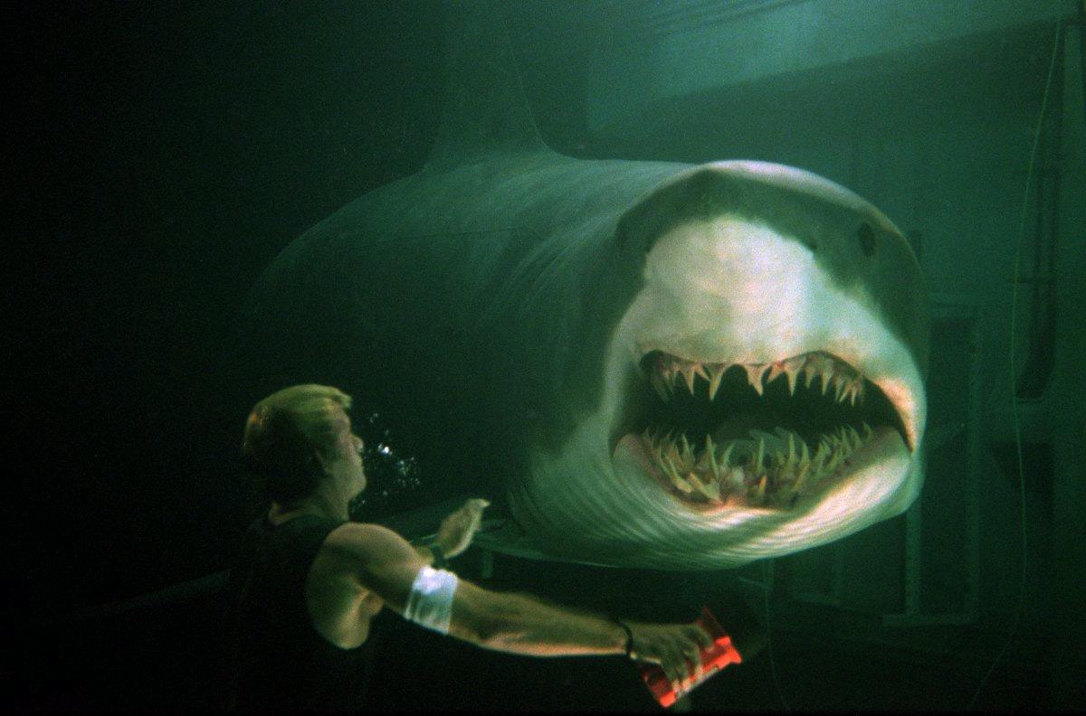 Deep Blue Sea' is Still as Entertaining Today as It Ever Was ...