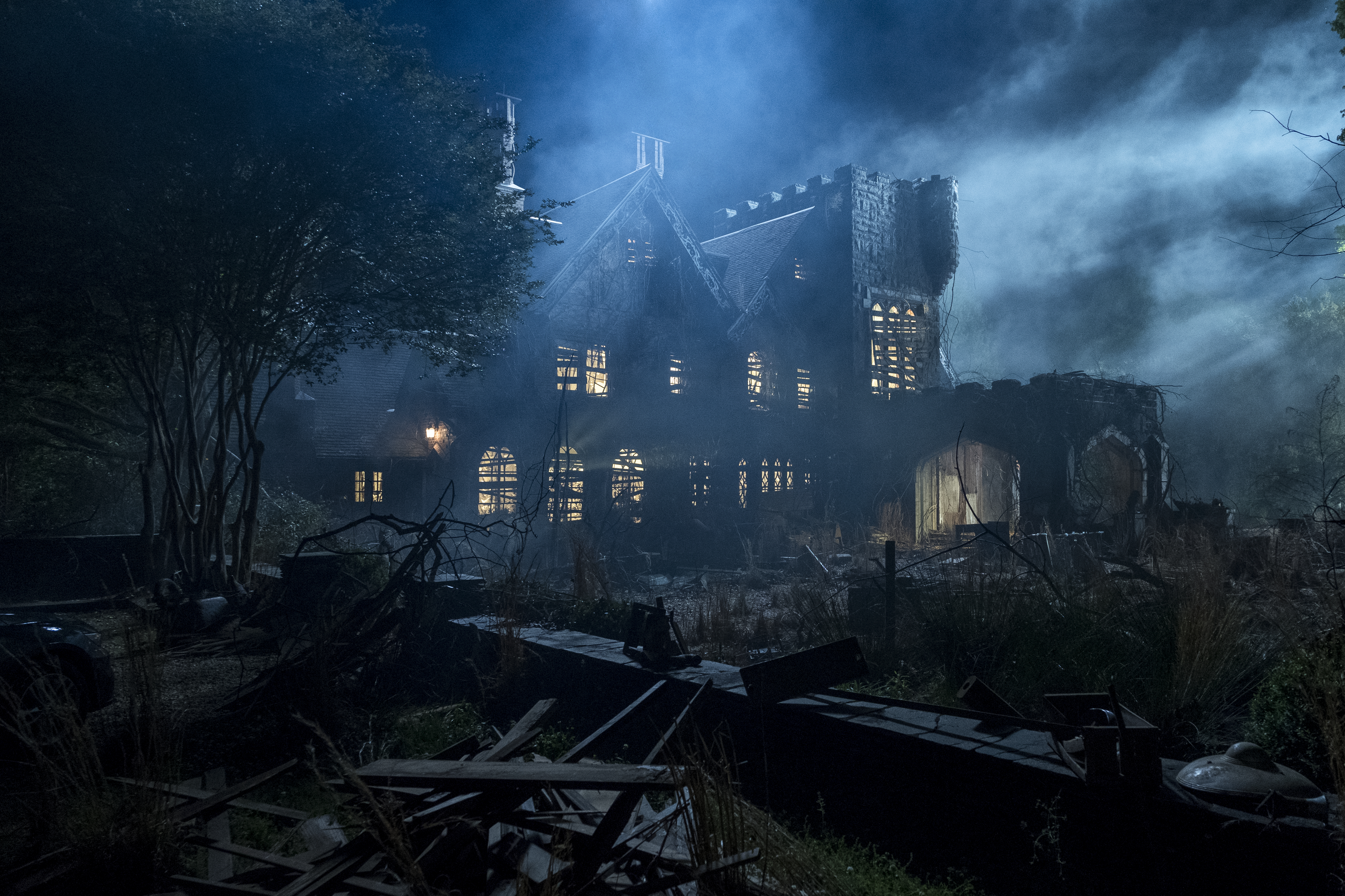 The Haunting Of Hill House Opens Its Doors On Netflix This October Images Bloody Disgusting