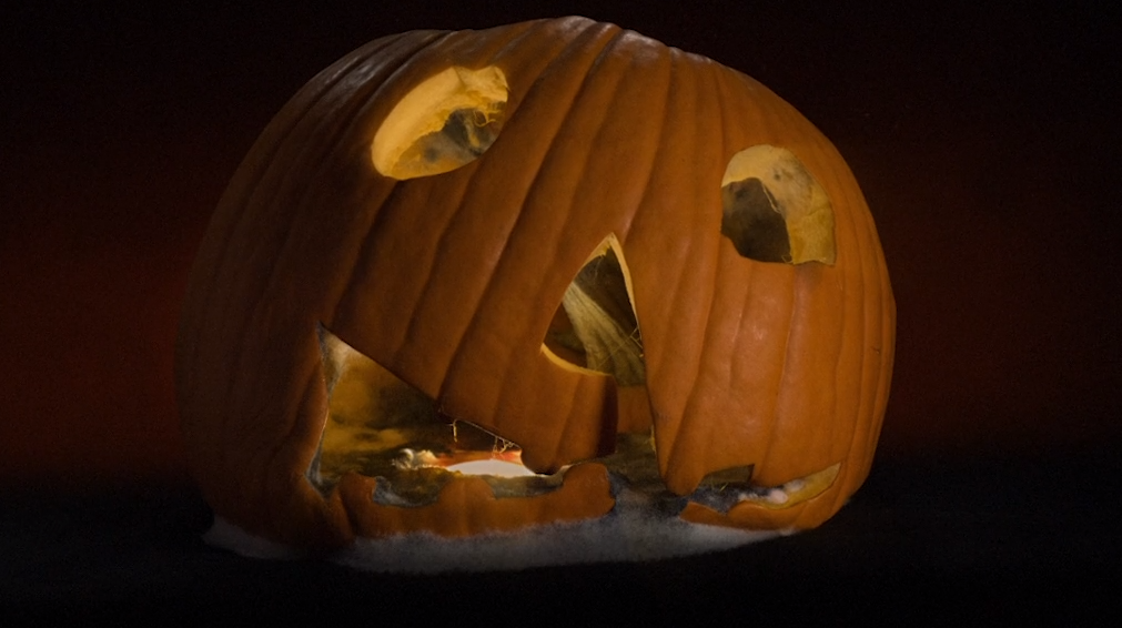 Halloween Movie Pumpkin 2018.Production Designer Explains How The Awesome Opening Credits