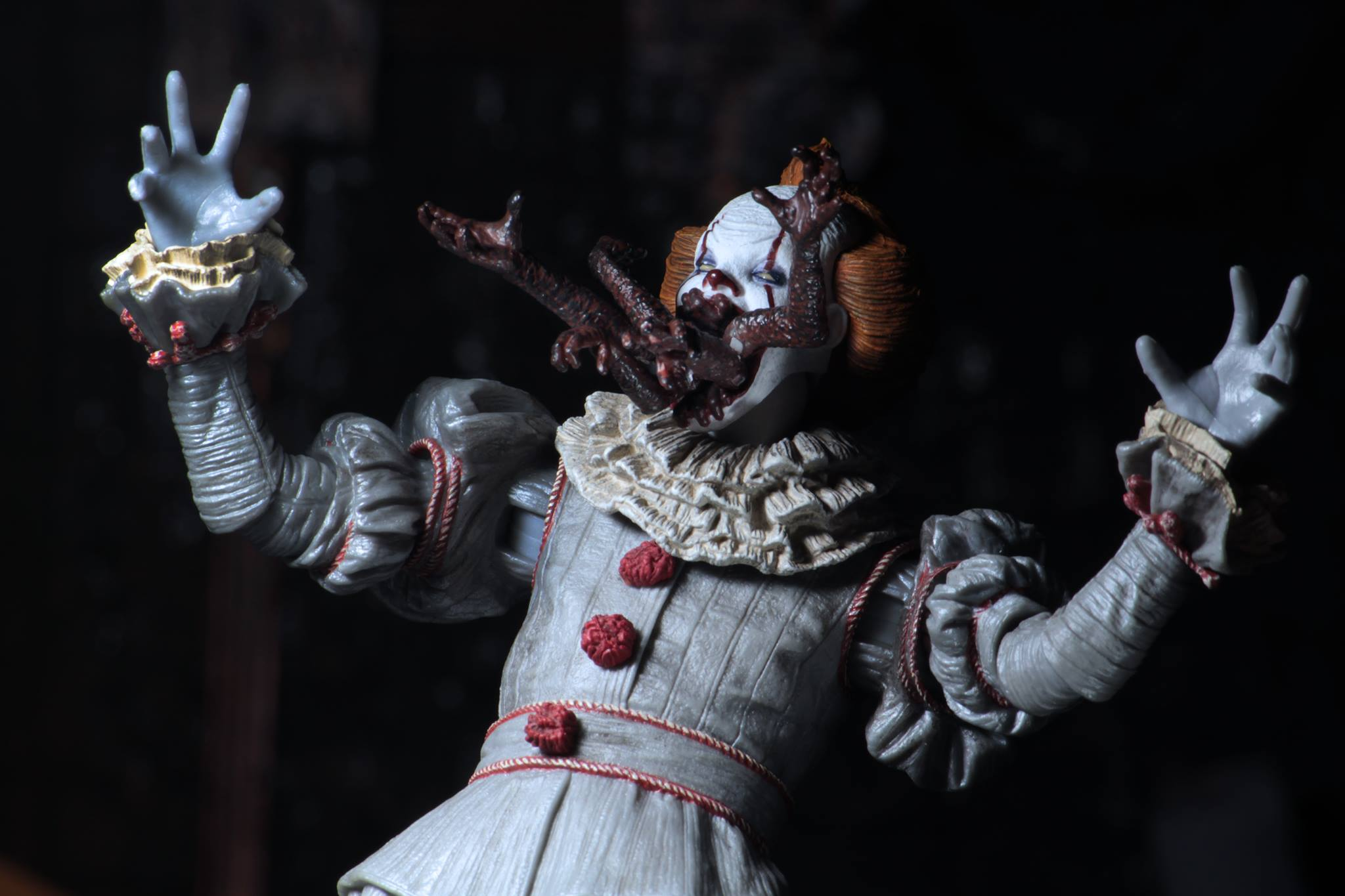 Pennywise IT Figurine Ultimate le clown Pennywise officiel Neca-EN STOCK