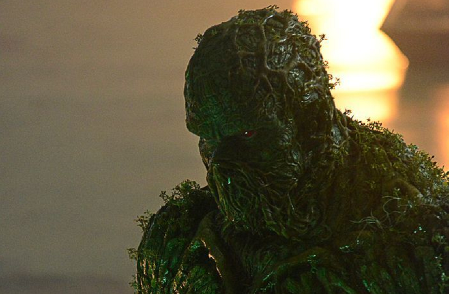 """New Image Gives Us Our Best Look Yet at Derek Mears in the Awesome """"Swamp Thing"""" Suit"""