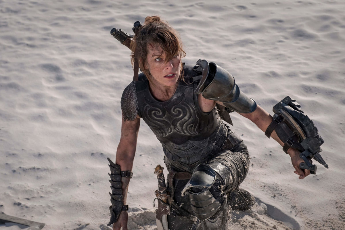 Monster Hunter Photo Straps A Slinger Onto Milla Jovovich Bloody Disgusting
