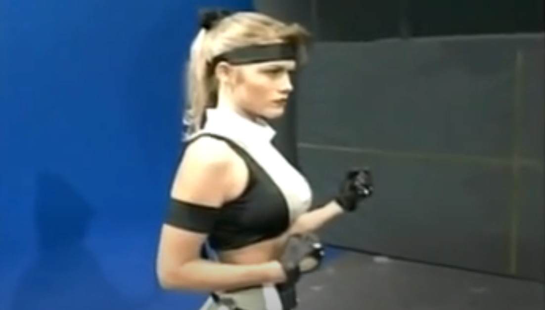 Sonya Blade Actress Kerri Hoskins Puts on the Iconic Costume 25 Years After 'Mortal Kombat 3' [Image]