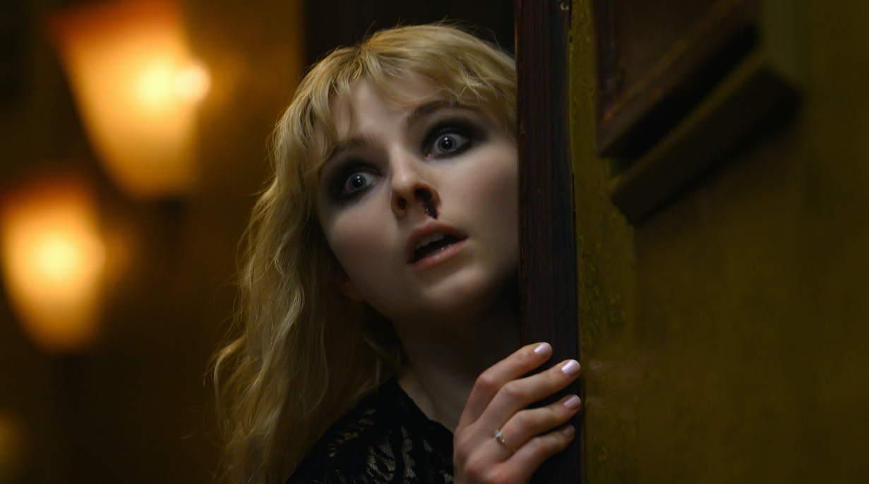 Last Night in Soho': Thomasin McKenzie Has a Nosebleed in New Image from  Edgar Wright's Horror Movie - Bloody Disgusting